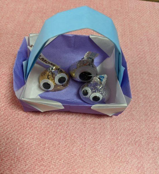 ばらまきお菓子,ラッピング,簡単,コスパ,折り紙,かご,スライムキスチョコ折り紙かご
