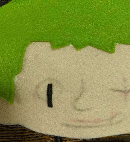 カラー帽子,デコ,フェルト,アップリケ,刺繍,縫い方,男の子,キャラクター,目立つ,ピンク