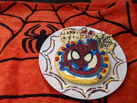 スパイダーマン,キャラチョコ,ホワイトチョコ青,作り方,キャラチョコ色付け